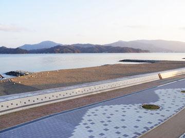 *日本三景天橋立のふもと。やさしい潮の香りと波の音に囲まれる。